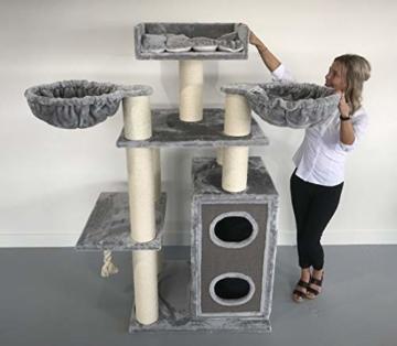 Kratzbaum XXL Cat Paradise - für große Katzen - RHRQuality - 15 cm Stämme