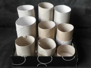 Katzenspielzeug selber machen - Intelligenzspielzeuaus Klorollen-Pappe